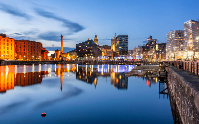 liverpool waterfront night